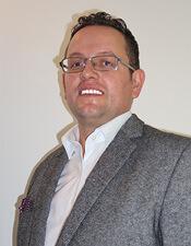 Herr Miftari ist Inhaber unser Reinigungsfirma.